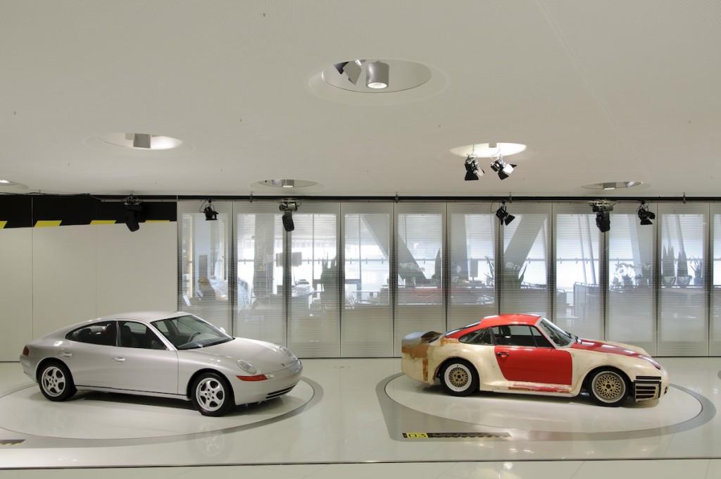 Porsche Museum 989 Studie (li.) und Porsche 959 Prototyp