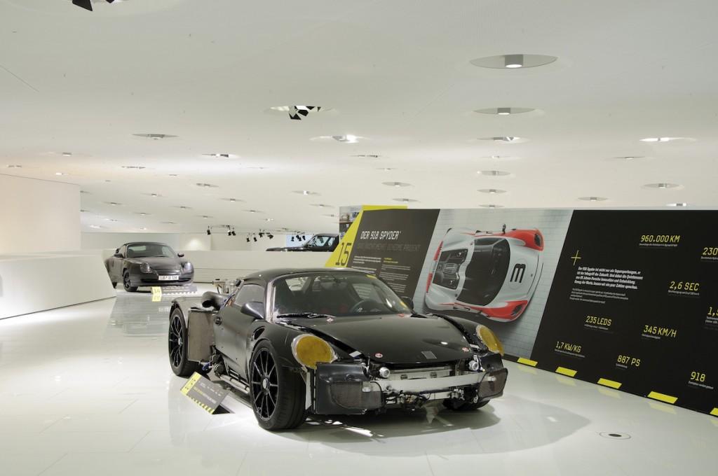 Porsche Museum 918 Spyder Prototyp Rolling Chassis