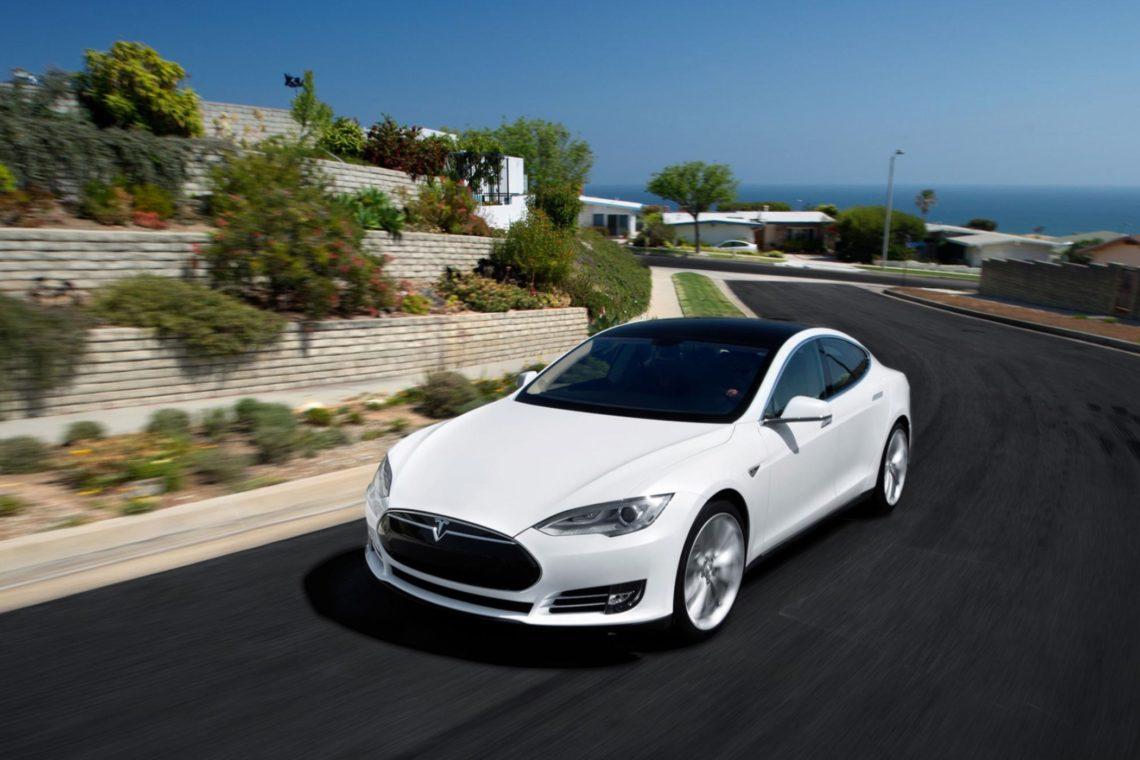 Tesla Model S AWD