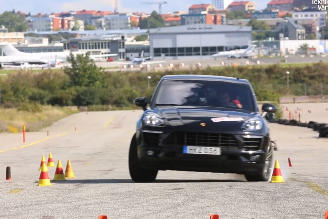 Der Porsche Macan im berühmten Elchtest