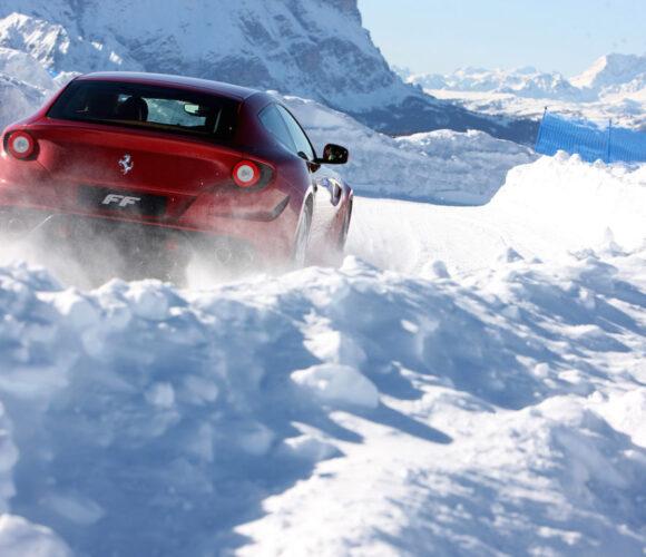 Ferrari-FF-snow