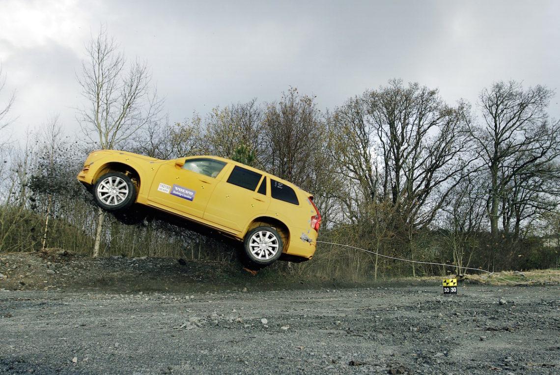 Neuer Volvo-Crashtest: ab durch den Graben