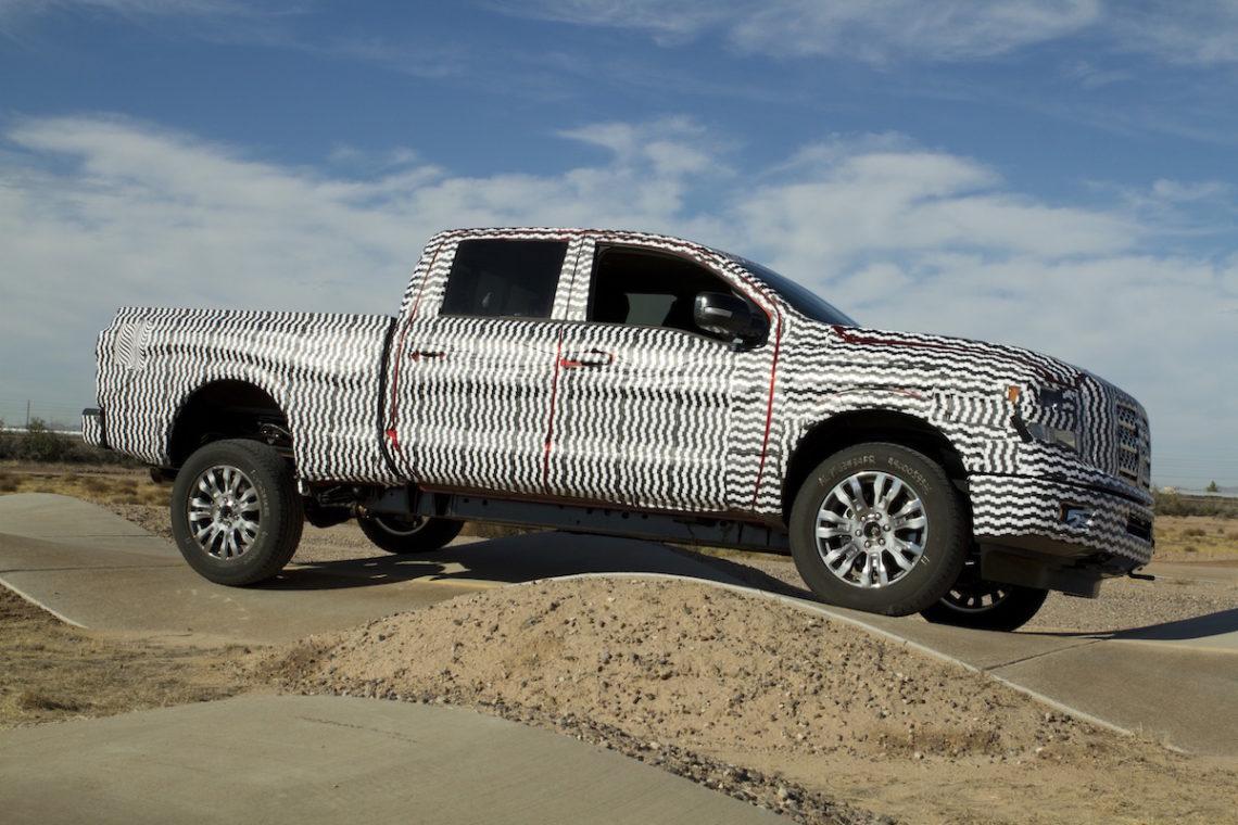 Nissan stellt den neuen Titan auf der Detroit Auto Show 2015 vor
