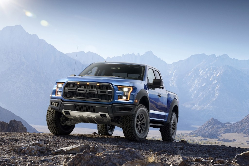 Ford_Raptor_01_13115.jpg