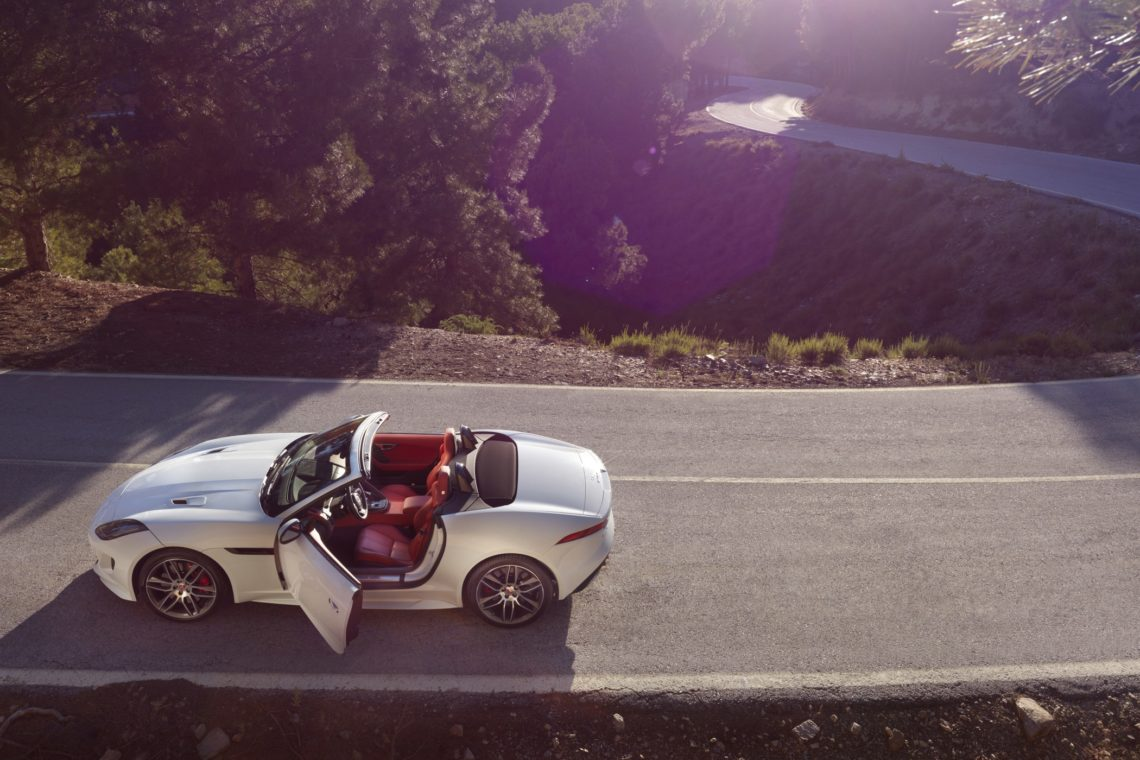 Jaguar F-TYPE AWD Seite