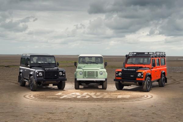 """Land Rover DEFENDER """"CELEBRATION"""" SERIE Family"""