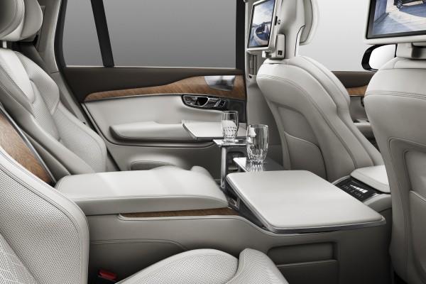 Volvo XC90 Excellence - Luxus-Bar und Kühlfach