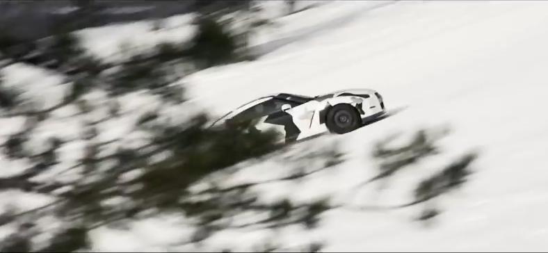 Video: Nissan GT-R erobert die Skipiste
