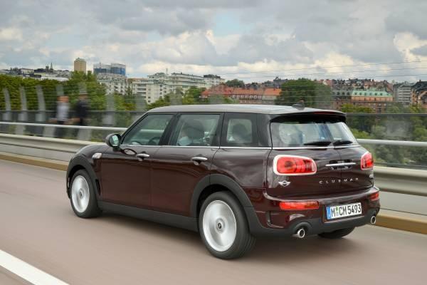 Mit dem deutlich vergrösserten Modell drängt Mini jetzt auch in die Kompaktklasse. Er bietet genug Platz für fünf und bis zu 1250 Liter Ladevolumen.