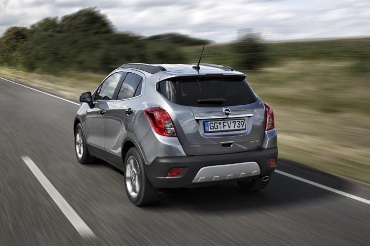 4x4Schweiz-Testbericht: Opel Mokka  Fahrsituation, Heckansicht