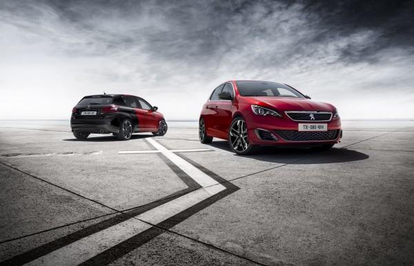 Peugeot präsentiert ein sportliches und junges Line-up. Am Stand C03 in der Halle 3 sowie am Aussenstand vor dem Eingang in die Messehallen steht der Peugeot 308 GTi by Peugeot Sport als Schweizer Premiere. Er entwickelt aus einem 1,6-Liter-THP-Motor 270 PS und 330 Nm maximales Drehmoment und ist serienmässig u.a. mit einem Torsen-Sperrdifferential und spezifischer Fahrwerkabstimmung ausgestattet. Auf die Besucher wartet ein weiteres sportliches Highlight: Zum Abschied des Sportcoupés RCZ, lanciert Peugeot für die Schweiz eine exklusive limitierte Auflage mit dem Namen RCZ R Swiss Racing. Die auf 22 Stück limitierte und nummerierte Sonderserie basiert auf dem RCZ R THP 270