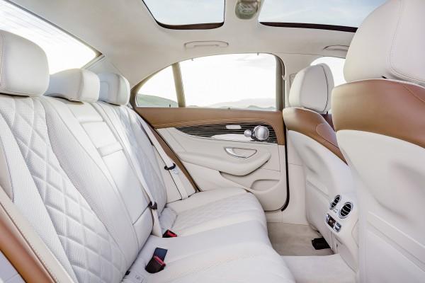 4x4Schweiz-News: die neue Mercedes-Benz E-Klasse  (W 213) 2016, E 400 4MATIC, Interieur sattelbraun/macciato Interior saddle brown/macciato