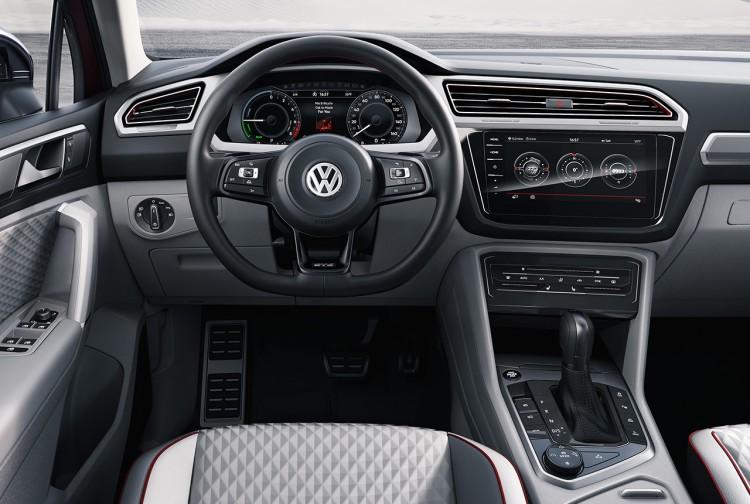 VW Tiguan GTE Active Concept 8