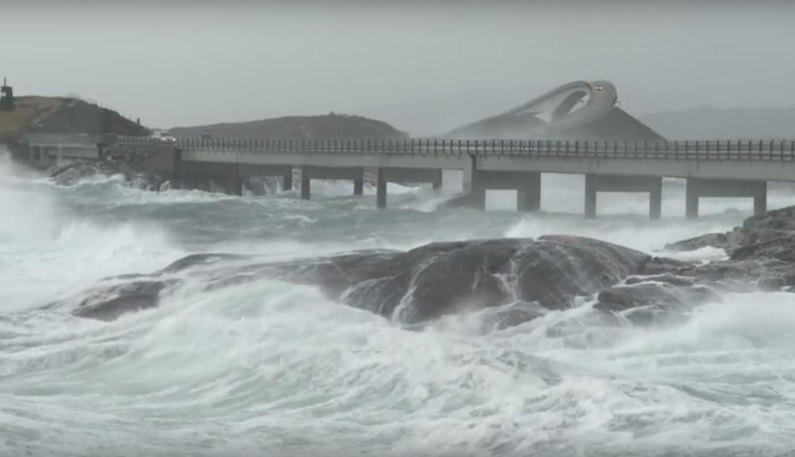 Spektakuläres Video von der Atlantic Road, Norwegen