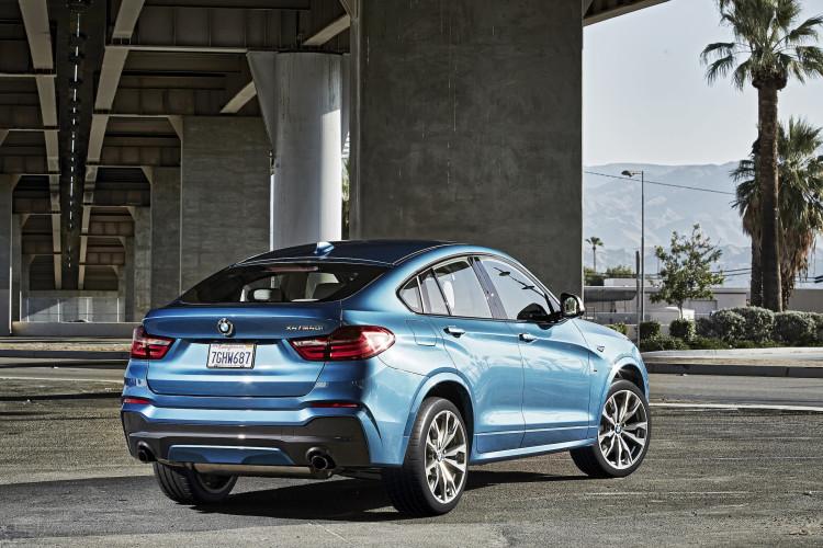 BMW X4 M40i von hinten