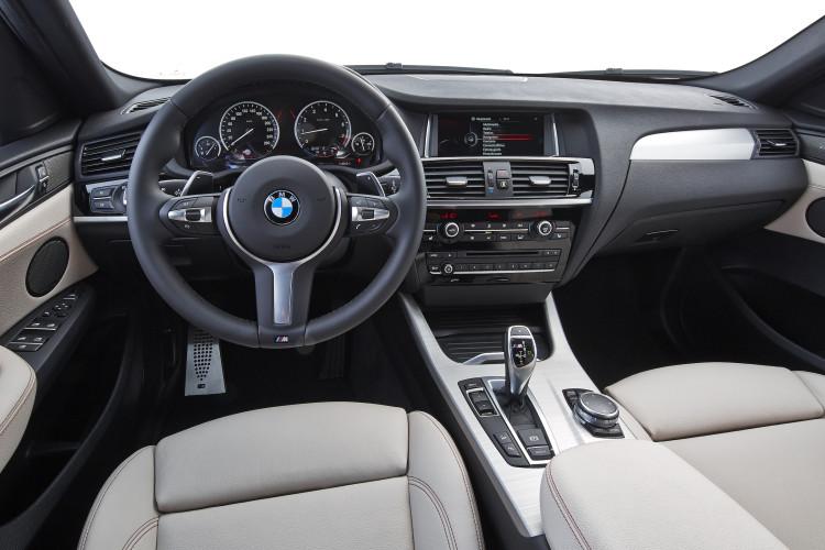 BMW X4 M40i Cockpit