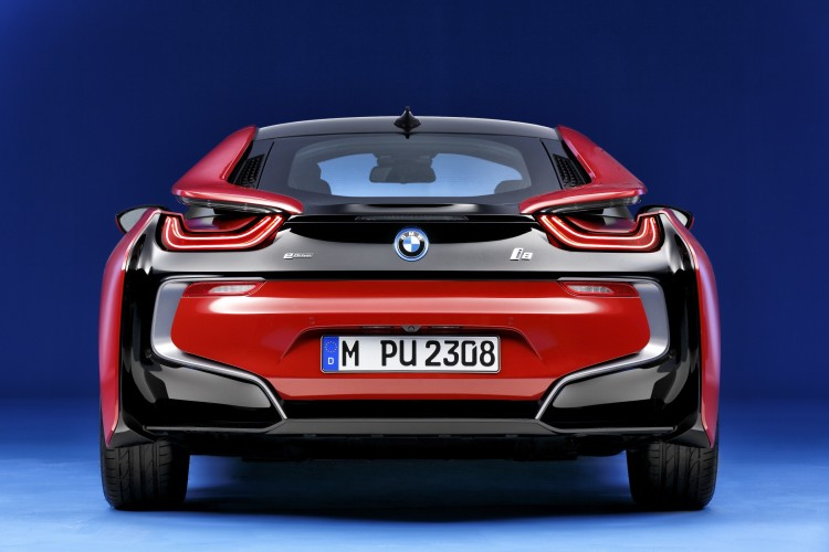 BMW i8 Protonic Red Edition Heckansicht
