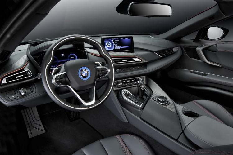 BMW i8 Protonic Red Edition Cockpit Interior-Design