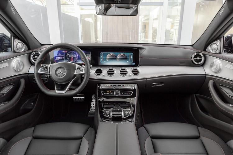 4x4Schweiz-News: Mercedes legt eine Sportversion der E-Klasse auf: Mercedes-AMG E 43 4Matic, ein Blick ins Cockpit