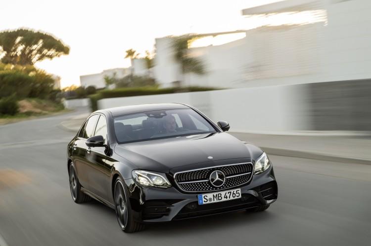 4x4Schweiz-News: Mercedes legt eine Sportversion der E-Klasse auf: Mercedes-AMG E 43 4Matic, Frontansicht