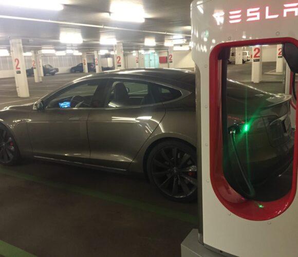 Tesla Supercharger St Moritz