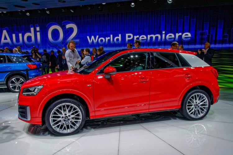 4x4Schweiz-News: Autosalon Genf 2016, Audi Q2 Weltpremiere rot