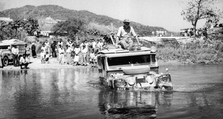 Land Rover: The Oxford & Cambridge Far Eastern Expedition mesai_river