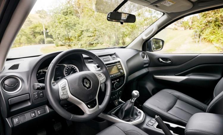 4x4Schweiz-News: Renault Alaskan Cockpit