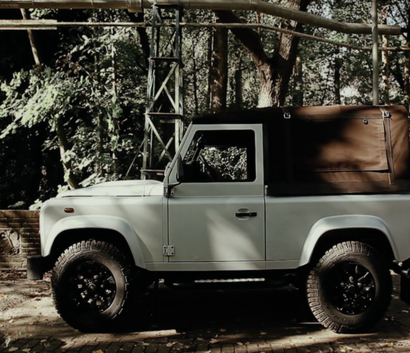 last-land-rover-defender-by-piet-boon
