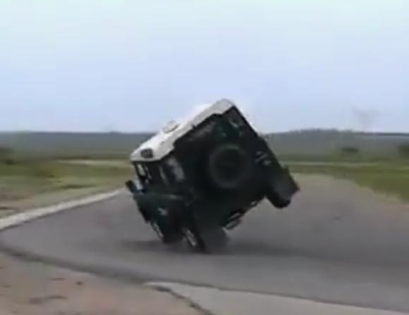 land-rover-defender-elchtest