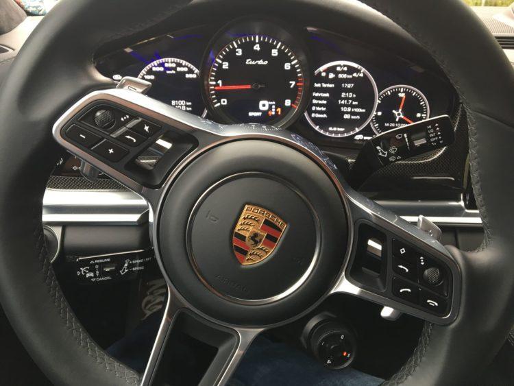 porsche-panamera-cockpit