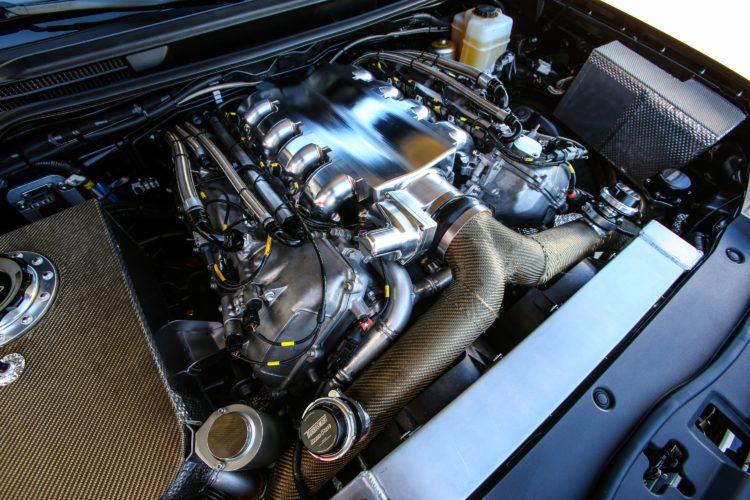 Herzstück des Highspeed-Land-Cruisers ist ein aus dem Lexus LX570 stammender 5,7-Liter-V8, der dank zweier Garrett-Turbolader 2.000 PS leisten soll