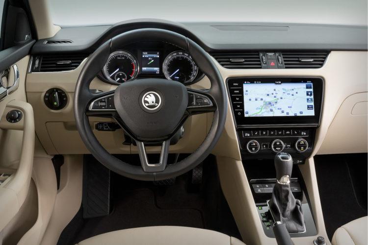 4x4Schweiz: Skoda Octavia Kombi 2017 Cockpit