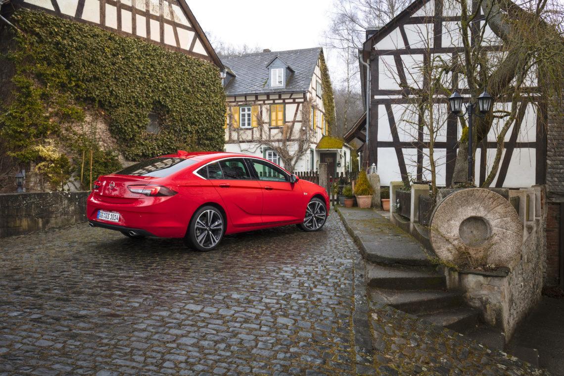 Der neue Opel Insignia 4×4 mit Torque Vectoring.