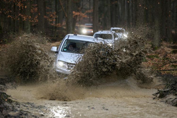 4x4Schweiz-Test: VW Amarok 4Motion V6 Offroad Wasserdurchfahrt