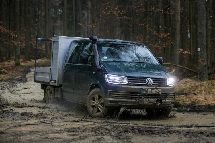 4x4Schweiz-Test: VW T6 4Motion Offroad mit Pritsche aus dem Wasser
