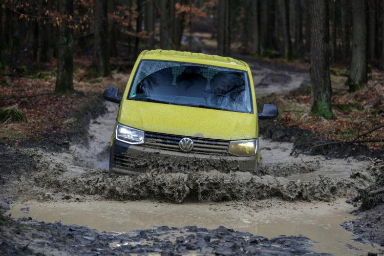 4x4Schweiz-Test: VW T6 Rockton 4Motion Offroad Wasserdurchfahrt