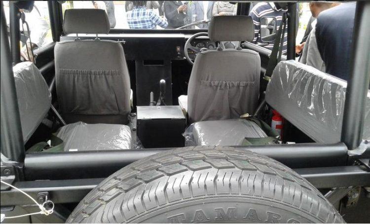 4x4Schweiz-News: Mobius Motors Kenya baut den Mobius II, den Defender für Afrika, ein Blick auf die Rücksitzbank