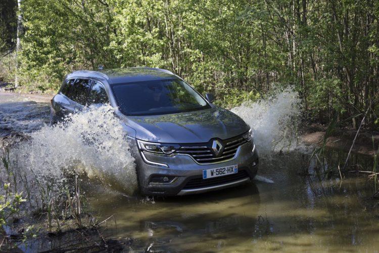 #NewRenaultKOLEOS Renault Koleos 2017 Wasserdurchfahrt im Wald