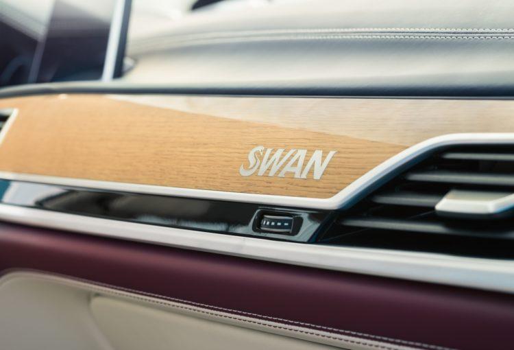 Nautor's Swan hat einen BMW M760Li xDrive V12 individualisiert: Signatur Armatur