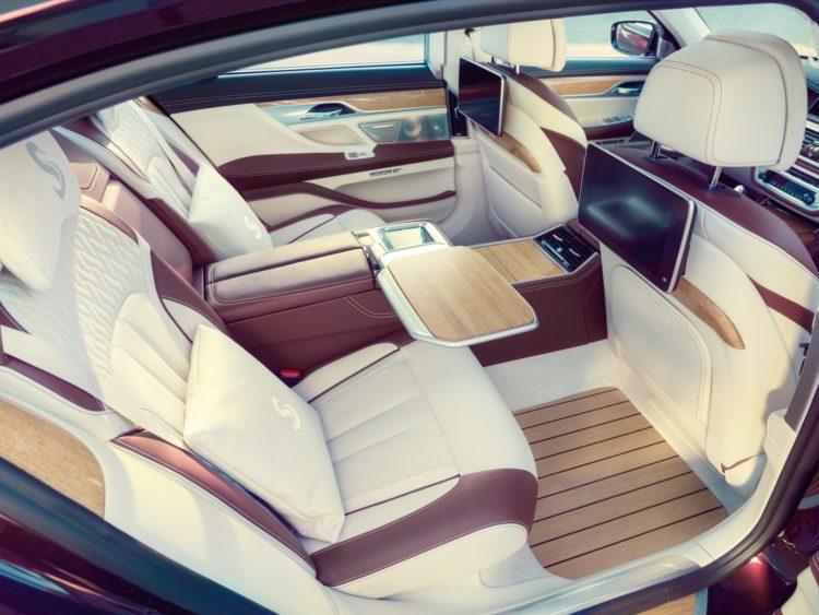 Nautor's Swan hat einen BMW M760Li xDrive V12 individualisiert: Fussraum