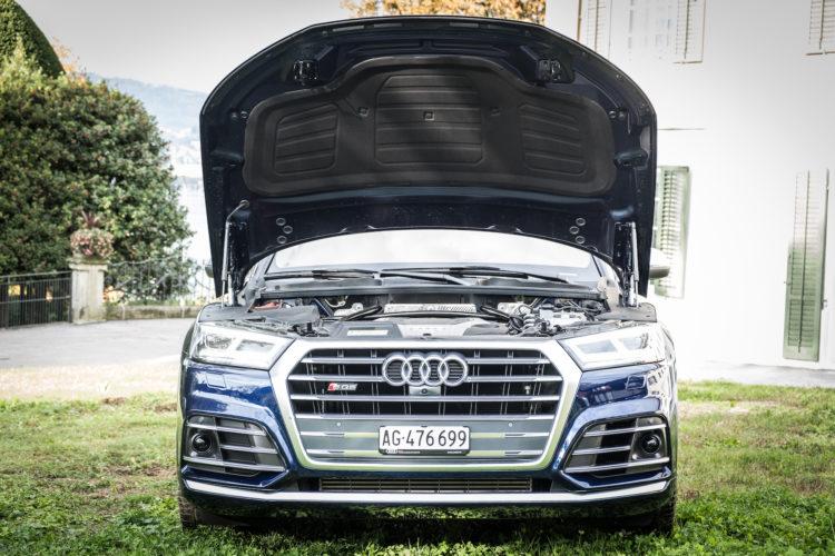 Audi SQ5 TFSI 6V Motorhaube offen