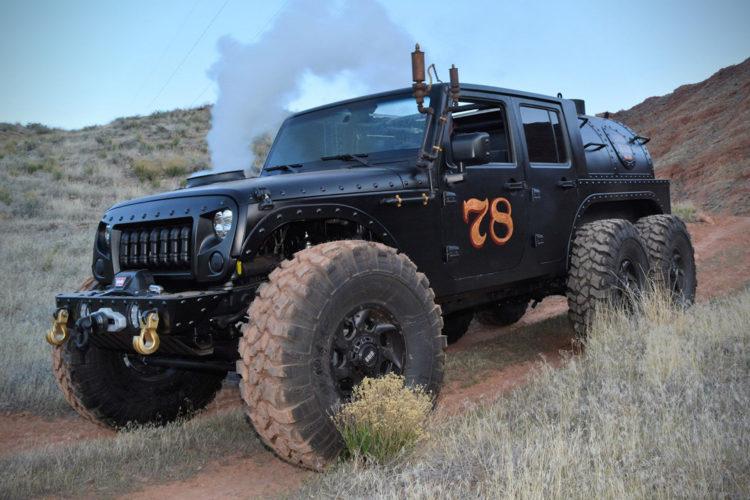 Jeep Wrangler Unlimited 6x6 Loco Hauk dampft und raucht