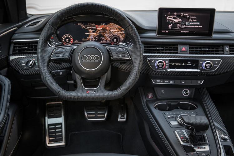Audi RS 4 Avant Cockpit