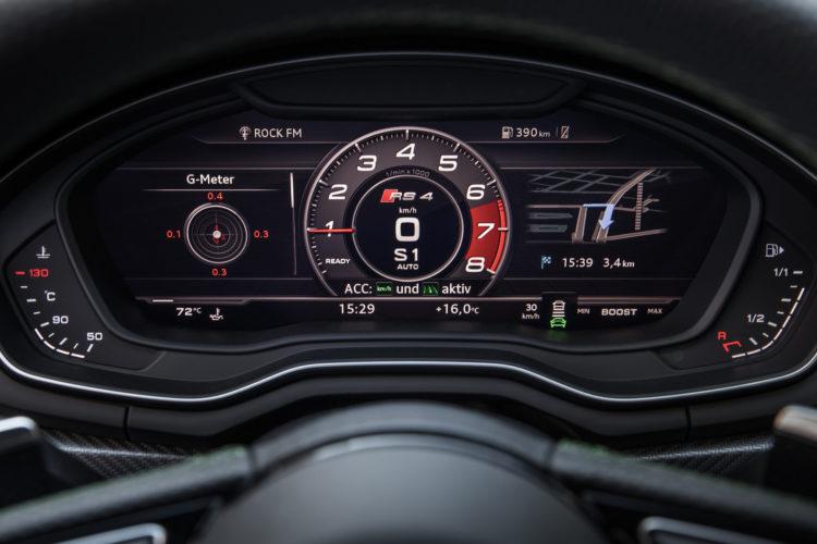 Audi RS 4 Avant Tacho