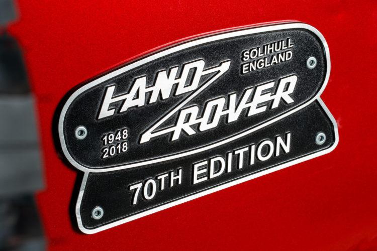 4x4Schweiz-Classic: Landrover belebt den Defender wieder und bringt den Land Rover Defender Works V8 70th Edition