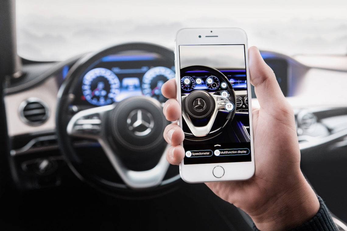 Ask Mercedes: Handy hilft beim Autoverstehen.