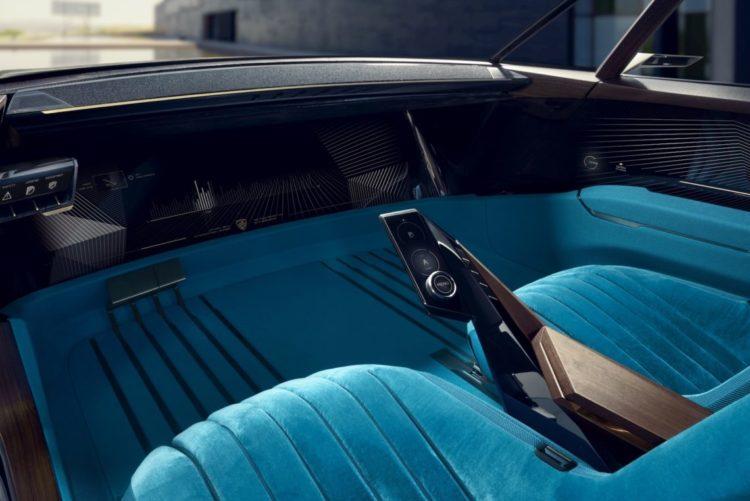 Peugeot e-Legend Cockpit