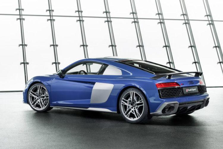 Audi R8 von der Seite