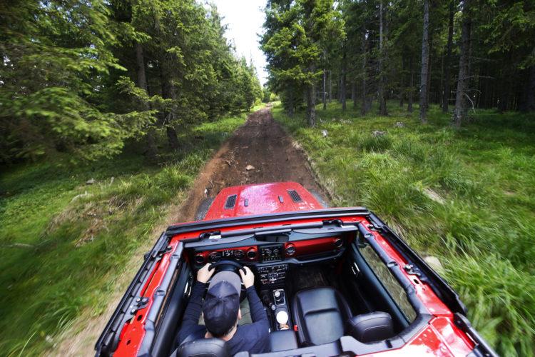 Jeep Wrangler JL mit offenem Verdeck
